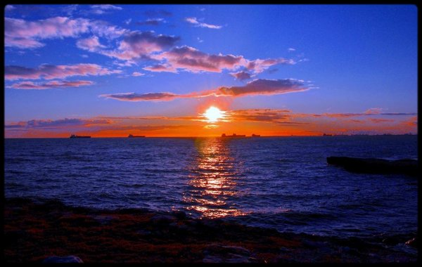 Chez moi le coucher de soleil est toujours quelque chose de magique et majestueux...