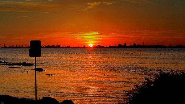 Chez moi au soleil couchant, quand tout s'enflamme d'or