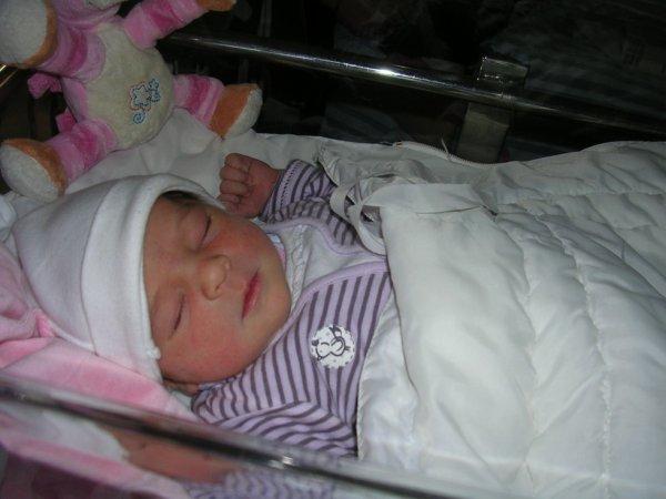ma petite fille née le 13 decembre