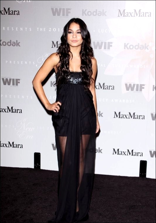 ♥ Ξ PRETTY WOMAN Ξ ♥        So Divine,So Beautiful,So Fabulous,So Amagazing, So.....Naturally Vanessa Hudgens ^^   ToP ou FloP ?