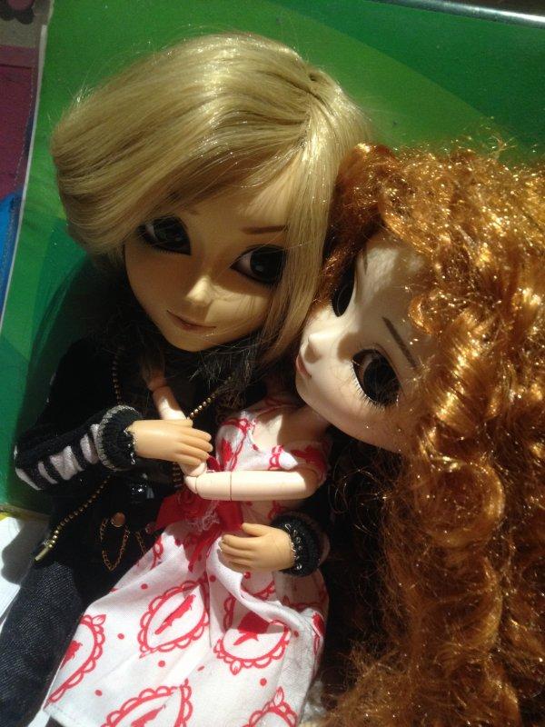 Séance photo d'Alice avec intrusion d'Axel (autorité 0 .______.)
