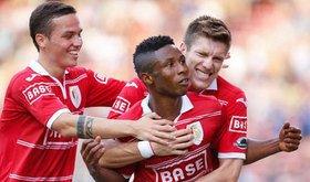 Jeu, set et match pour le Standard face à Charleroi (19/08/2012)