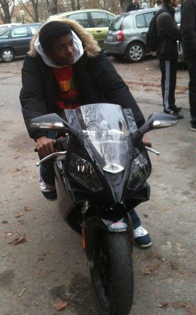 moi sur une belle moto