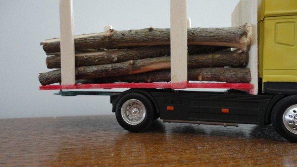 Camion de bois