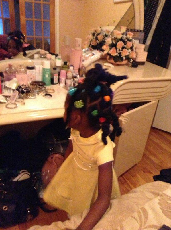 Elle a de beaux cheveux