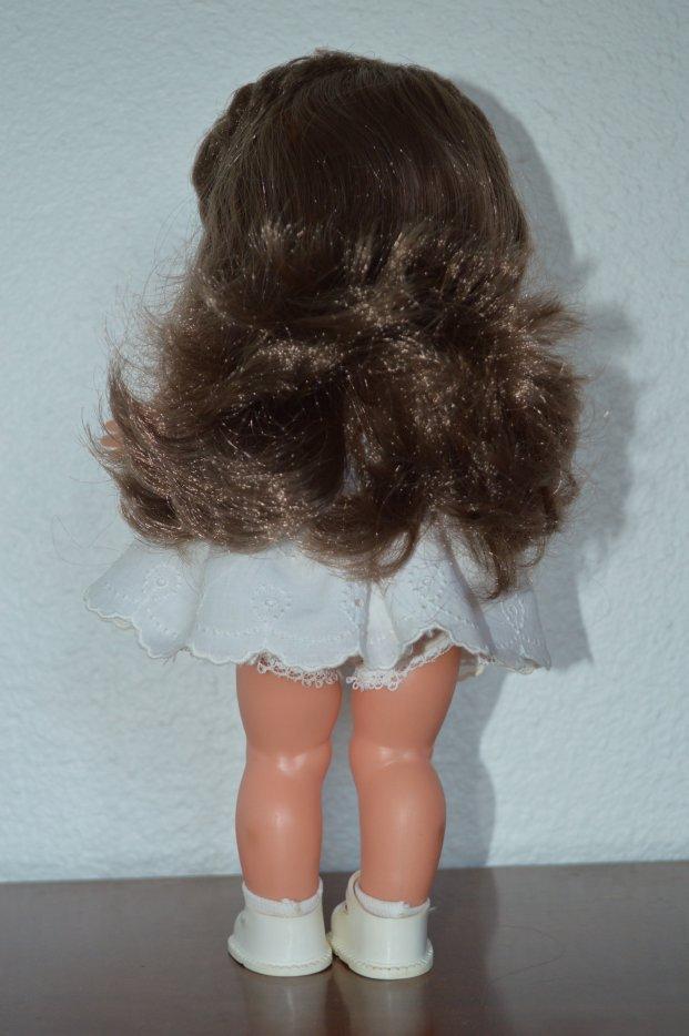 PRINCESSE 1969  28cms avec sa tenue d'origine