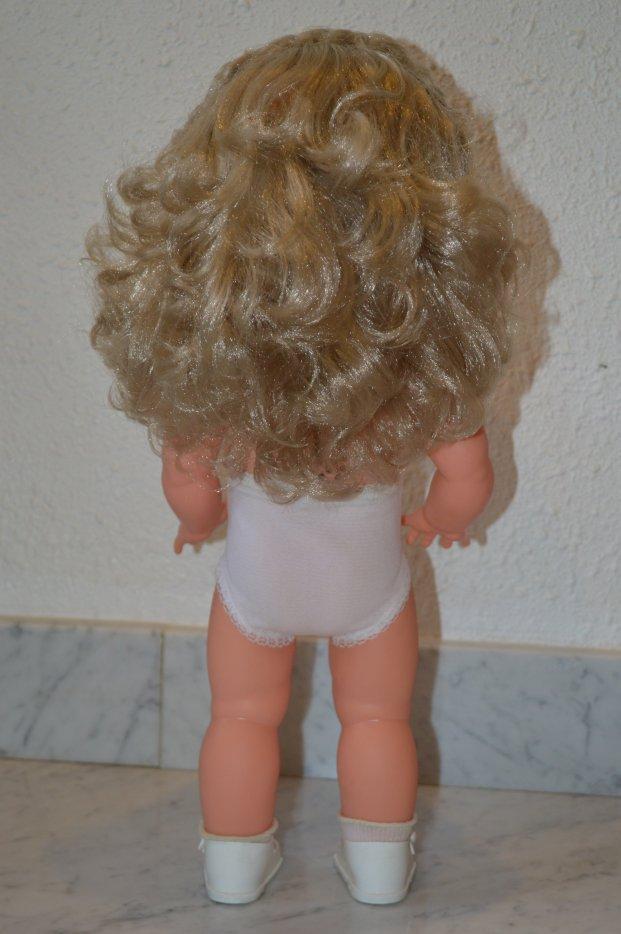 poupée RAYNAL  Corinne de 1963   42 cms avec sa robe d'origine