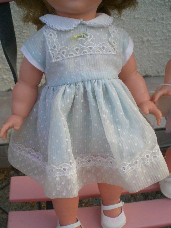 robe de Véronique à fossettes 37cms