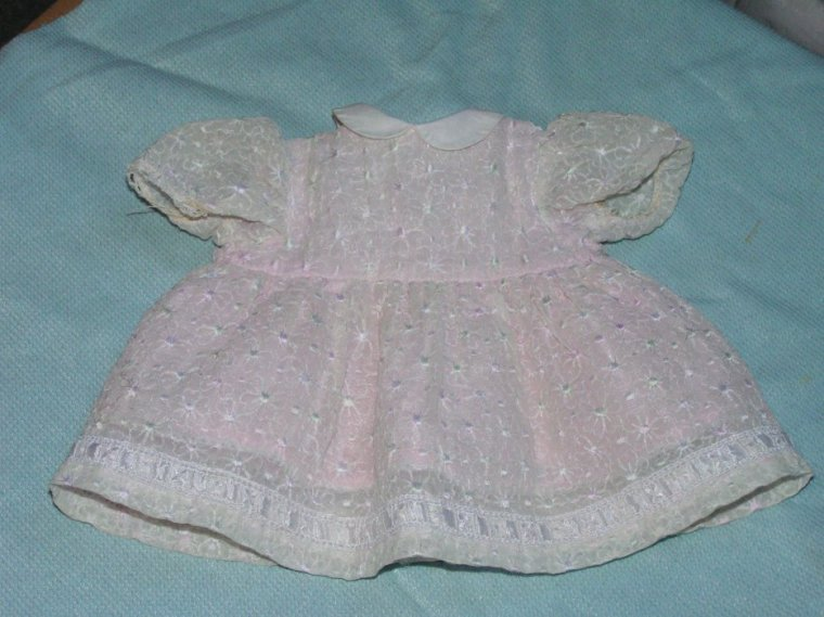 robe de Dominique