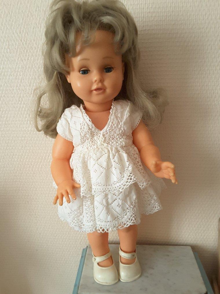 Corinne 1963  42 cms