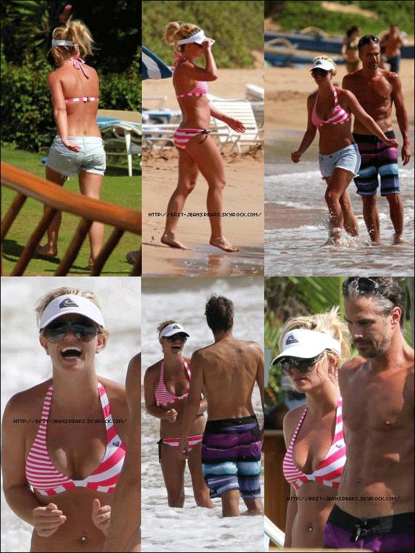 . Britney et Jason sur la plage à Maui (Hawaii), le 03 septembre. . C'est le 04 Septembre que Britney et Jason ont quitté Hawaii pour retourner à Los Angeles... Et oui, fini les vacances ! .