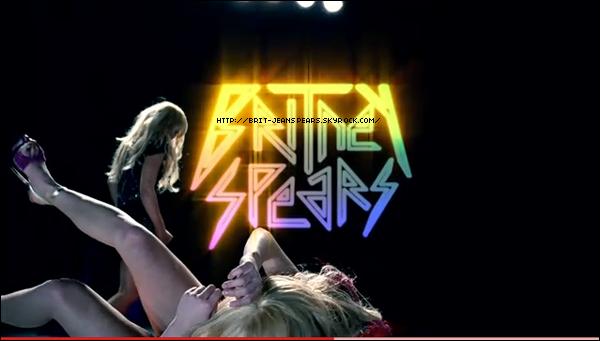 """. Découvre le teaser 8 de HIAM (actualisé) ! . Quand le magazine Vogue vanne les icônes au profit de Lady Gaga ... : """"À la différence du banal, hyperchorégraphié mise en scène de Madonna, ou la pop manufacturée (commerciale) de Britney ou Janet, le style de Lady Gaga est profond et émotionnel."""" . Nouveau tweet de Will I Am : """"La chanson de Britney est tellement addictive... Je suis en studio en train d'ajouter les touches finales...""""Uh oh"""" celle là est un MEGA TUBE."""" . Clique sur l'image pour découvrir la traduction intégrale du Q/R de Britney sur Twitter, hier soir. ."""