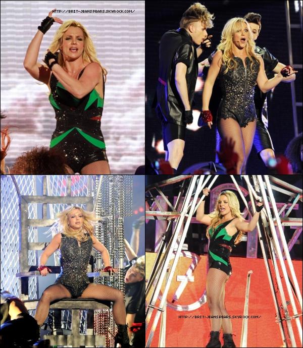 . C'est officiel, le prochain clip de Britney qui met en avant le tube Till The World Ends sera diffusé en avant première sur Vevo Britney et MTV le Mercredi 6 Avril à minuit. On ignore encore si c'est côte Ouest ou Est. . Le site TMZ nous annonce que la tournée Femme Fatale Tour est officiellement annulée à cause du départ de Enrique Iglesias. Selon les avocats de la chanteuse, tout le matériel était déjà acheté pour que les deux puissent partager la scène et son départ ne fait que tout remettre à zéro. Cependant, il n'est pas exclu que la tournée reprenne d'ici l'été 2012. Mauvaise nouvelle pour les fans de Britney et elle-même alors que 4 passages étaient prévus pour la France à Paris et à Lyon. . Le jour de sa sortie, l'album s'est donc vendu à 2800 copies en France et devrait atteindre les 4700 copies au bout de la semaine selon le Syndicat national de l'édition phonographique. L'album devrait atteindre la 13ème position du top albums en France. .