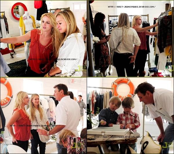 """. Sabi performera à Sacramento pour le premier concert, lancement officiel du Femme Fatale Tour : """"Ok Sacramento, en route…"""" . Dans une nouvelle interview accordée au magazine Playboy, Justin Timberlake a pris la défense de Britney : """"Tout ce qui se passe sur internet m'embête, ces commentaires anonymes. Les gens pensent qu'ils peuvent dire ce qu'ils veulent, et que ça n'affectera personne. J'aimerais bien voir ces gens qui critiquent Britney sur internet, lui dire ces choses en face, parce qu'ils ne pourraient pas. Internet est un endroit cruel. Ça peut tout faire foirer ! Une personne de 30 ans ne danse plus comme quand elle était adolescente, c'est tout à fait normal. Pour la défense de Britney, si vous prenez une vidéo que j'ai faite en 2003, je ne pourrai plus faire la même chose maintenant."""" . Britney se rend à Tommy Hilfiger Prep World Pop Up Shop, le 10 juin. . Découvre la chanson Whiplash que Brit a écrit pour @Selena Gomez en cliquant ici ! ."""