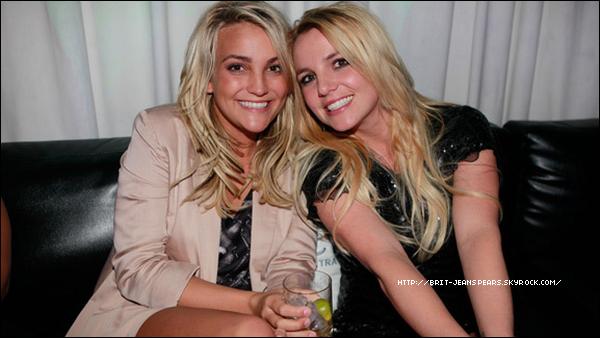 """. Dans une interview, Jamie Lynn a parlé de sa relation avec sa soeur : """"En ce qui concerne Britney, elle va très bien. Elle est amoureuse. Elle est avec ses enfants. Je suis heureuse pour elle. Bien sûr nos liens – en tant que mères – sont très importants. Surtout parce qu'il y a une différence d'âge – elle a 10 ans de plus. Je pense que si j'étais une jeune femme normale de 20 ans, je ne pourrait pas autant me retrouver en elle."""" ."""