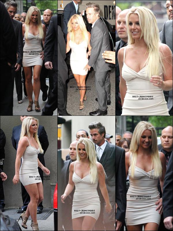 . Britney et Jason arrivaient aux studios de la FOX à New York, le 14 mai. .