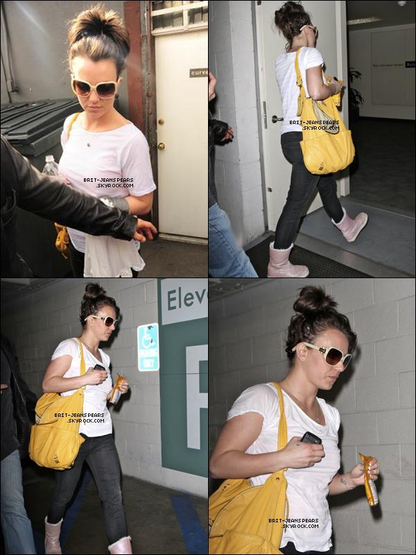 . Britney avait rendez dans l'Oppenheimer Tower à Westwood, le 26 février. .