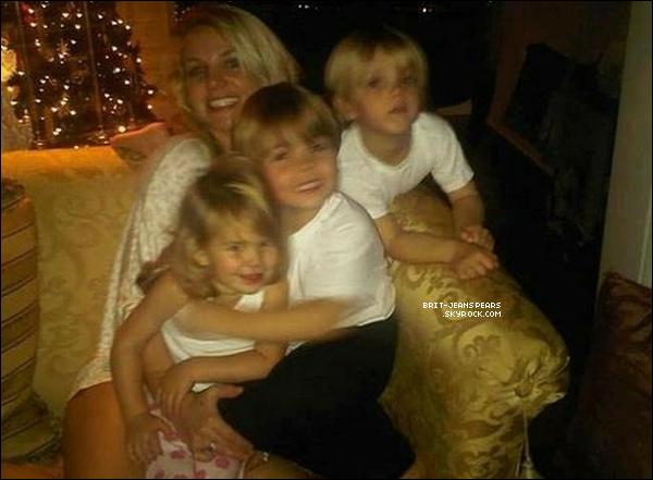 . Découvrez une photo rare de Britney, accompagnée de ses fils et de sa nièce Maddie ! .