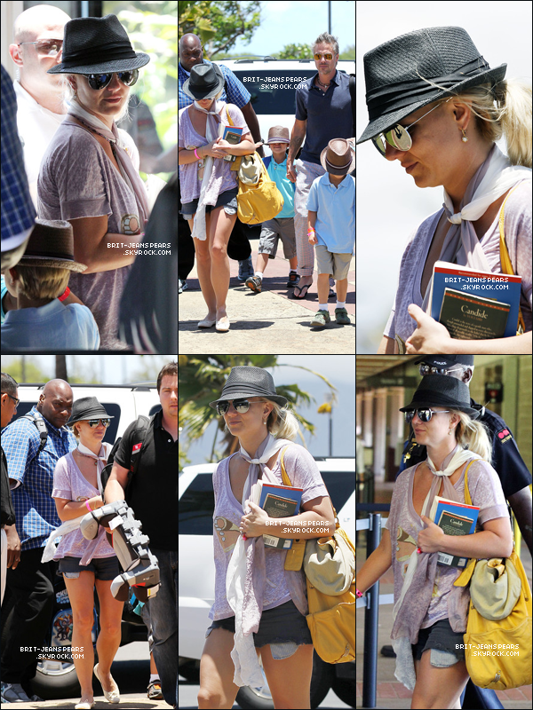 . Britney, Jason, Sean Preston et Jayden James étaient à l'aéroport pour rentrer chez eux, après avoir passé des vacances à Maui à Hawaii, le 06 juillet. .