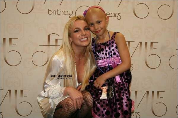 """. Tweet de Britney : """"Je tiens à souhaiter un joyeux anniversaire à une petite fille très spéciale, @angelbethanyp. Sois forte, tu es toujours dans mes prières ! Xxoo"""" ."""