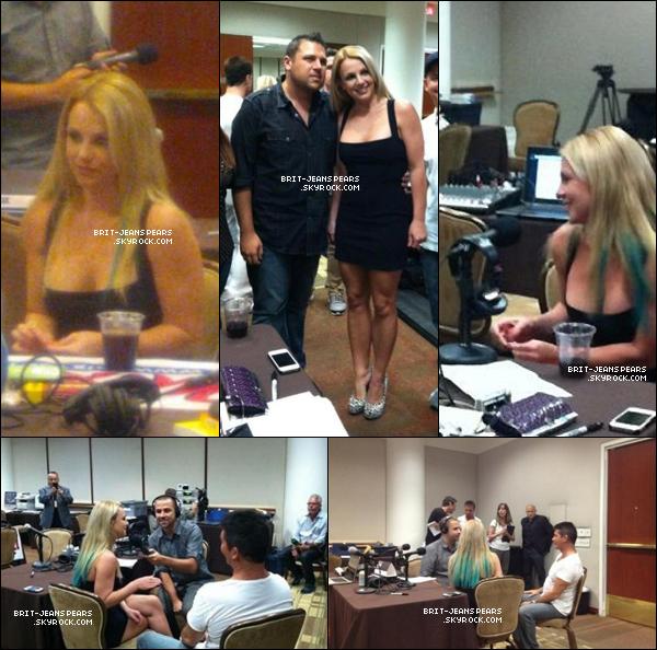 . Britney et Simon ont donné des interviews à des radios américaines, le 09 septembre. .