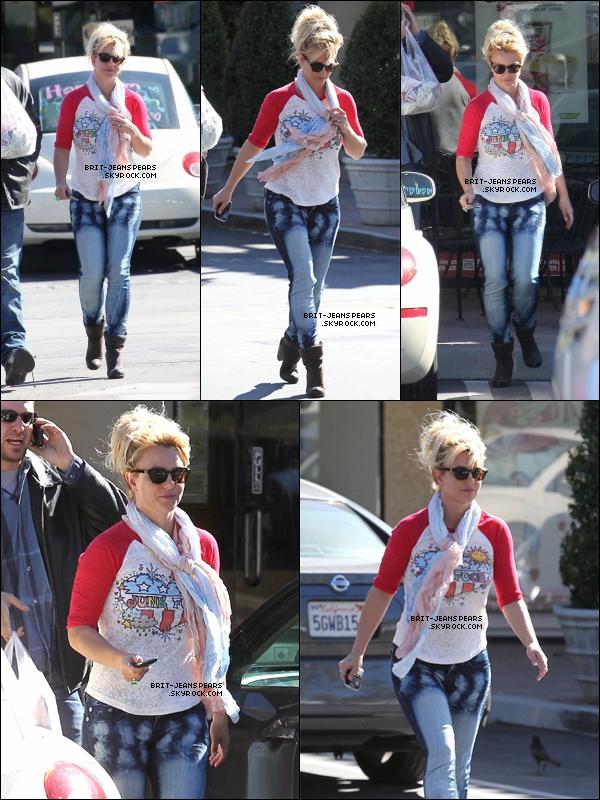 . Britney a été vue alors qu'elle quittait son hôtel pour rentrer chez elle, le 10 novembre. .