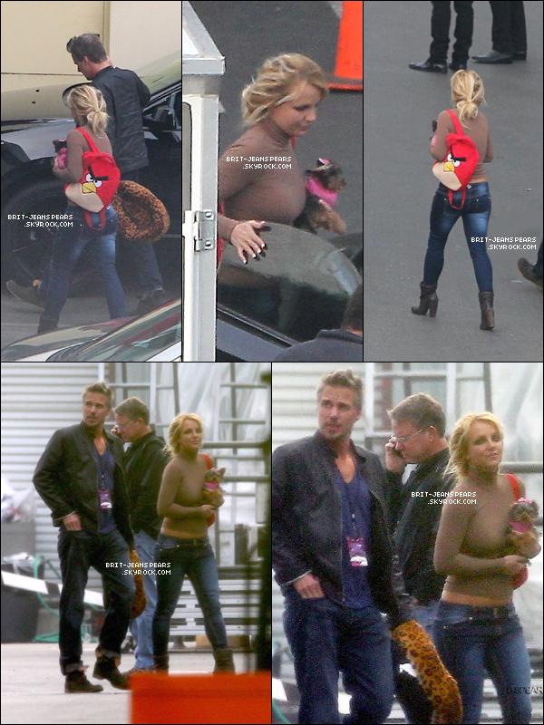 . Britney et Jason arrivaient aux studios de X Factor à Hollywood, le 05 décembre. .