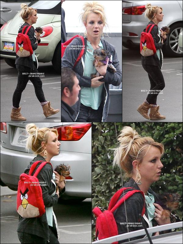 . Britney arrivait aux studios de X Factor à Hollywood, le 12 décembre. .