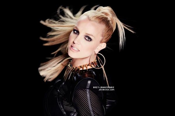 """. Nouveau tweet de Britney : """"Vendredi sur @106andpark – #ScreamAndShoutRemixVideo!! Voici un petit extrait. Bring The Action!"""" ."""