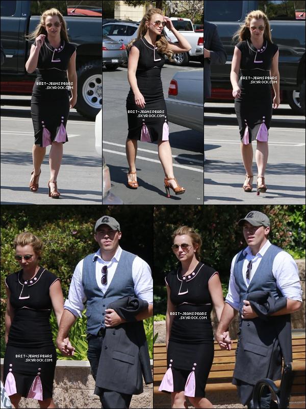 . Britney et David ont été aperçus dans les rues de Thousand Oaks, le 22 mars. .