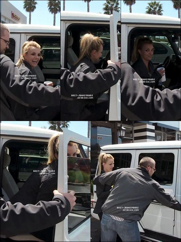 . Britney a été vue alors qu'elle était de sortie dans Los Angeles, le 08 avril. .