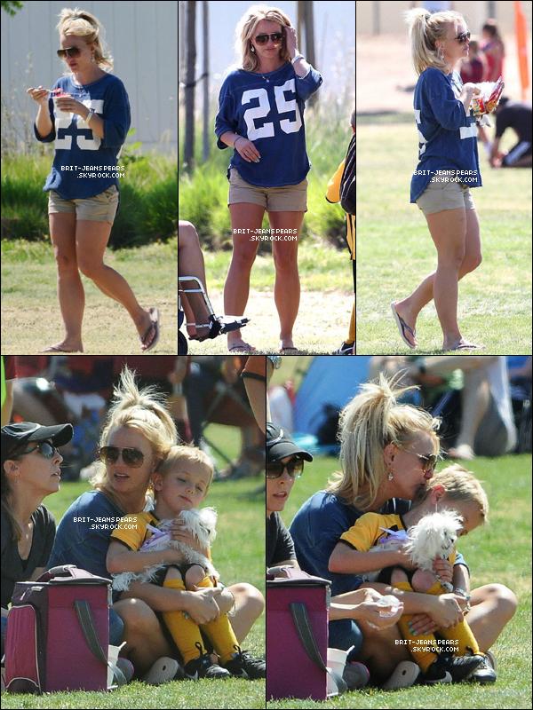 . Britney a été aperçue sortant d'un salon de manucure à Thousand Oaks, le 21 avril. .