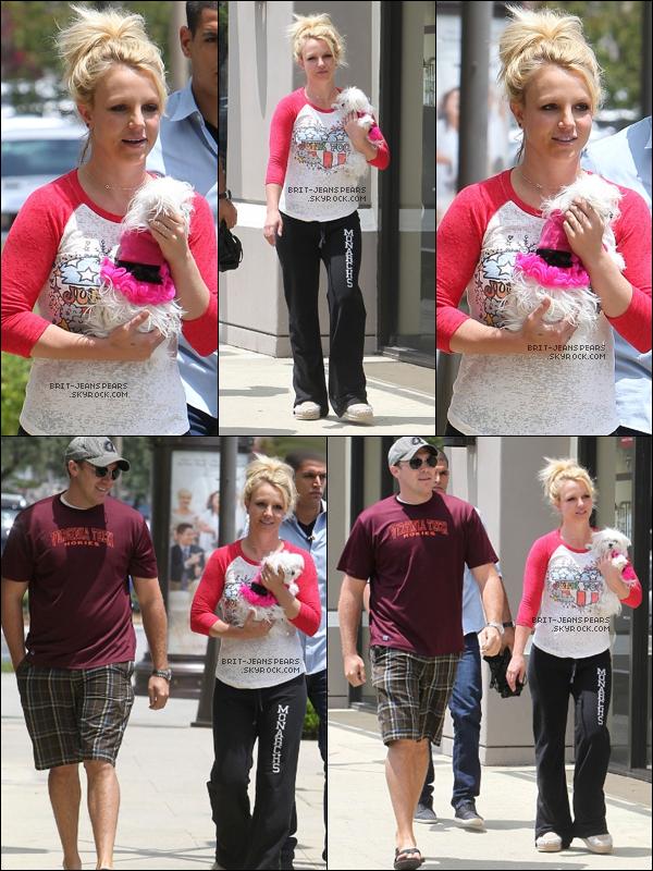 . Britney et David ont été vus se rendant dans une salle de gym à Los Angeles, le 16 mai. .