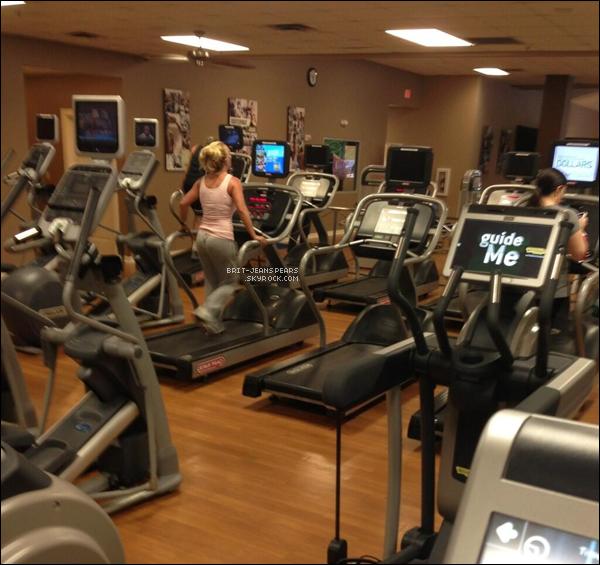 . Britney faisait du sport dans la salle North Cypress Gym à Hammond, le 31 mai. .