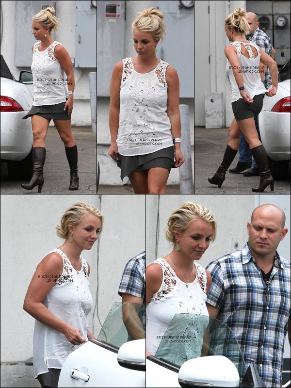 . Britney et David sortaient d'un déjeuner à Napa Tavern à Thousand Oaks, le 05 juillet. .