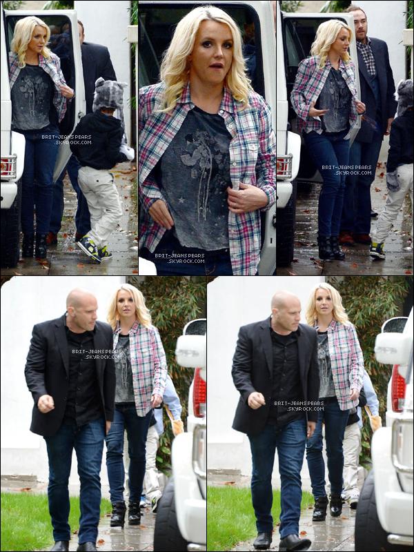 . Britney, ses fils et David se rendaient chez papa Spears à Los Angeles, le 29 novembre. .