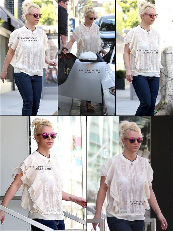 . Britney a été repérée faisant du shopping à West Hollywood, le 22 janvier. .