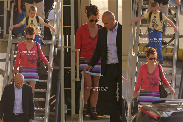 . Britney et ses fils ont été vus se rendant à l'aéroport de LAX à Los Angeles, le 24 mars. .