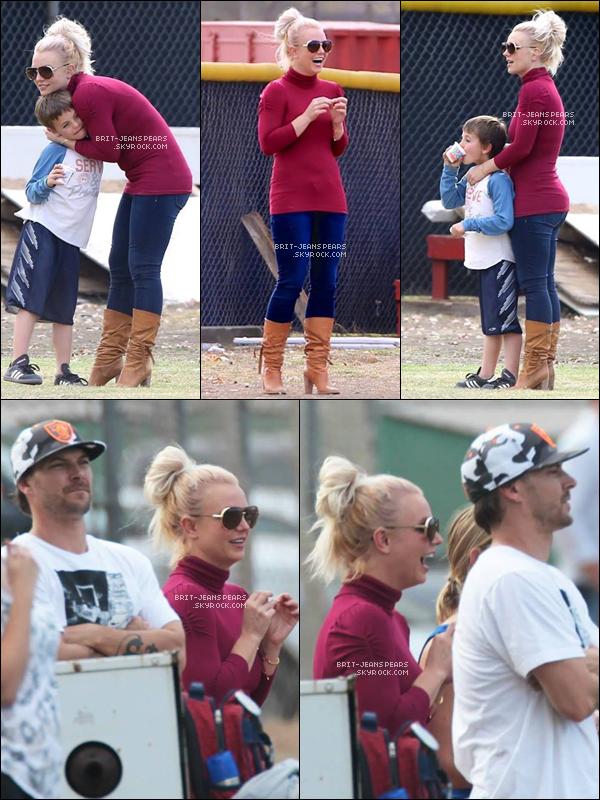. Britney a été vue alors qu'elle quittait une salle de gym' à Thousand Oaks, le 26 octobre. .
