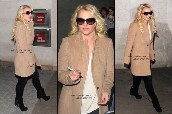 """. Britney répondait à une interview pour la """"BBC Radio"""" à Londres, le 16 octobre. ."""