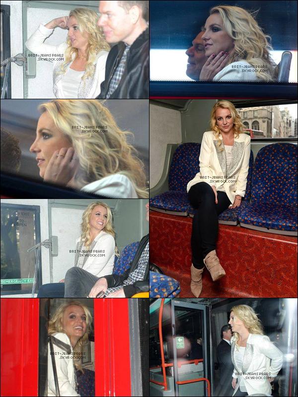 . Britney a été repérée alors qu'elle quittait son hôtel de Londres, le 15 octobre. .