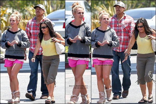 . Brit', Lynne et David allaient déjeuner dans un restaurant à Thousand Oaks, le 21 juin. .