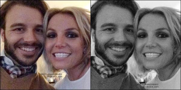 """. Nouveau tweet de Britney, accompagné de deux photos : """"Ce mec-là... ♥"""" ."""