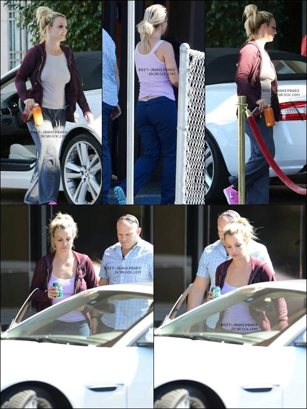 . Britney a été repérée alors qu'elle quittait un studio de danse, le 06 octobre. .