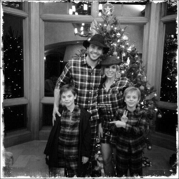 """. Nouveau tweet de Britney : """"Je vous souhaite à tous un Noël joyeux et en bonne santé !"""" ."""