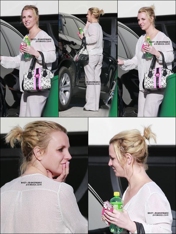 . Britney a été repérée quittant la maison d'un ami à Los Angeles, le 07 janvier. .