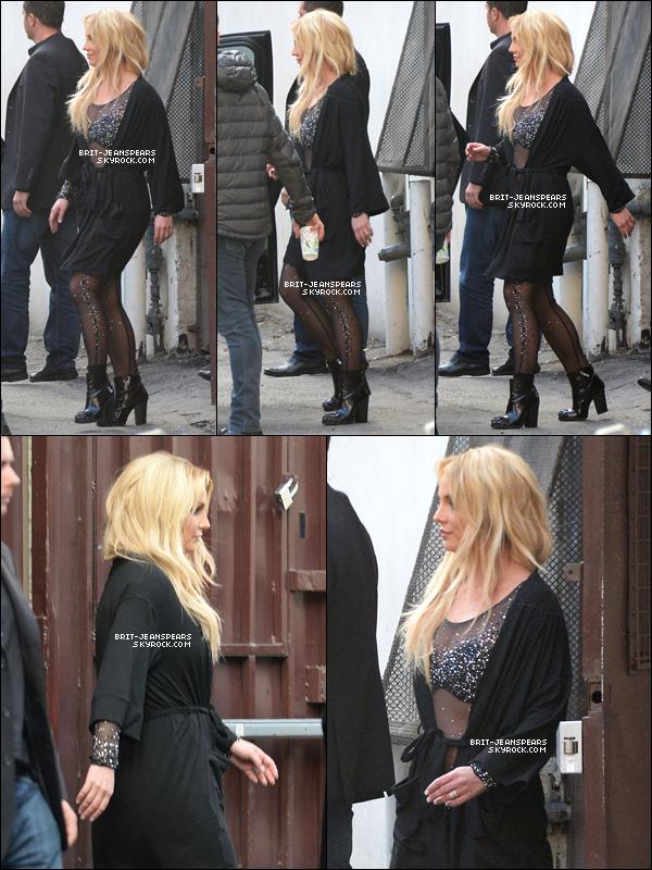 . Britney a été vue quittant un studio de danse à Thousand Oaks, le 12 janvier. .