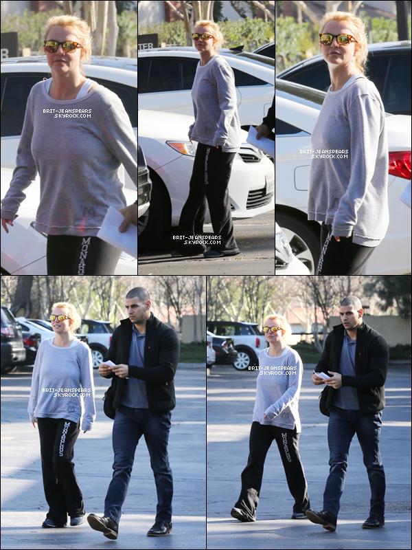 . Britney a été repérée quittant son cours de gym' à Calabasas, le 03 février. .