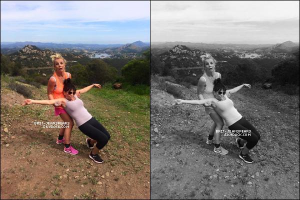 . Britney et Lynne ont été vues au match de football de Jayden à Los Angeles, le 08 mars. .