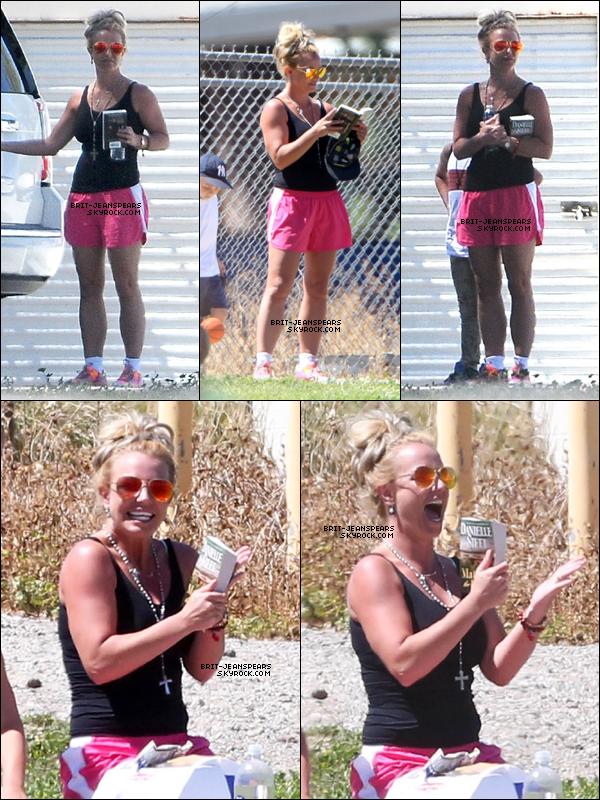 . Britney a été vue assistant au match de football de son fils, le 29 mars. .